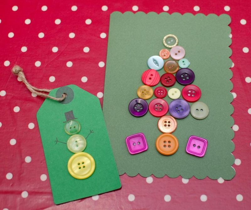 button-gift-tag-and-christmas-card