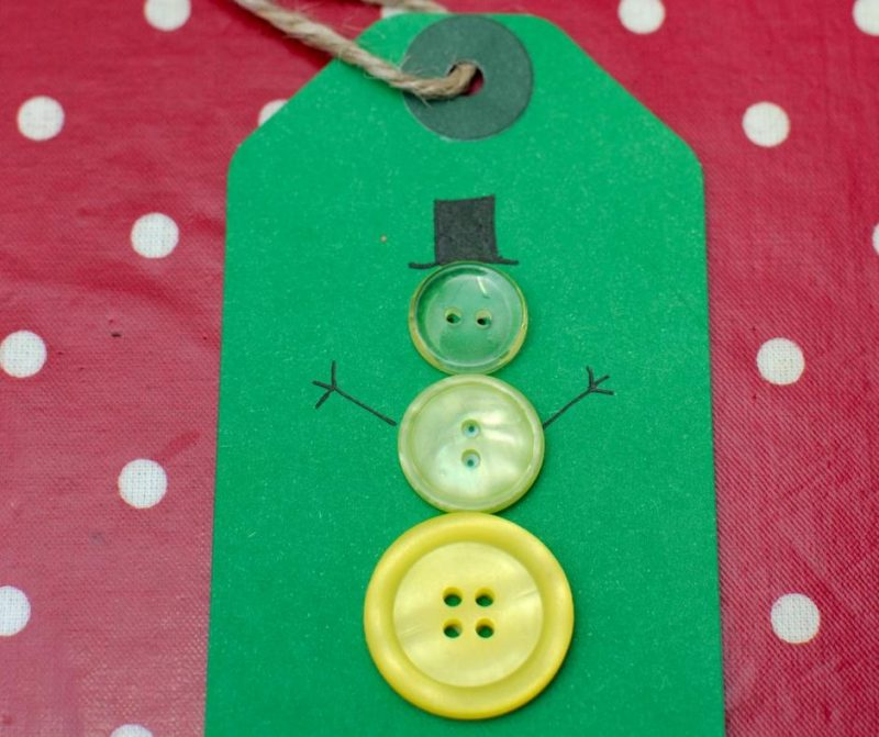 button-snowman-gift-tag-craft