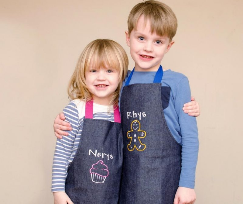 arty-apple-review-personalised-childrens-aprons