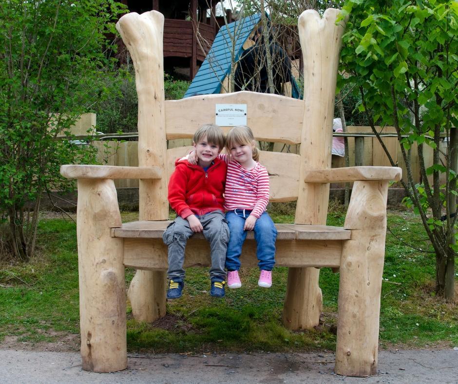 bluestone-giant-chair
