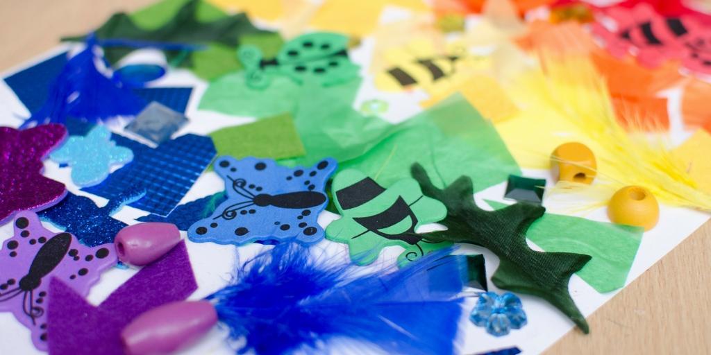 bostik-blogger-creepy-crawlies-craft-learn-colours-rainbow