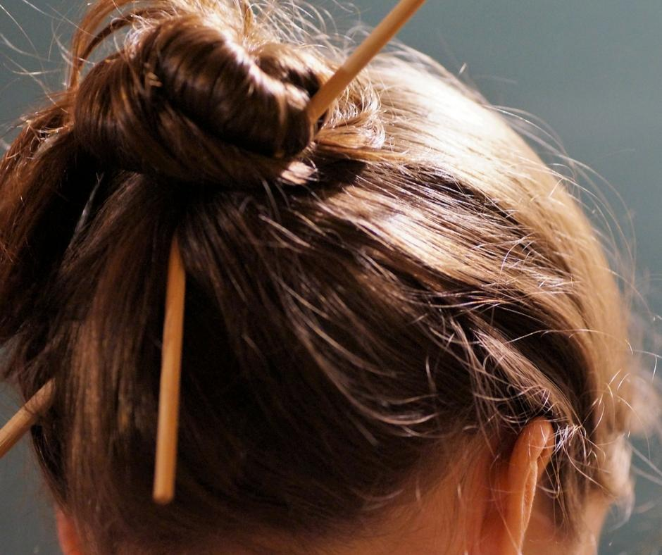 messy up do autumn winter hair trend
