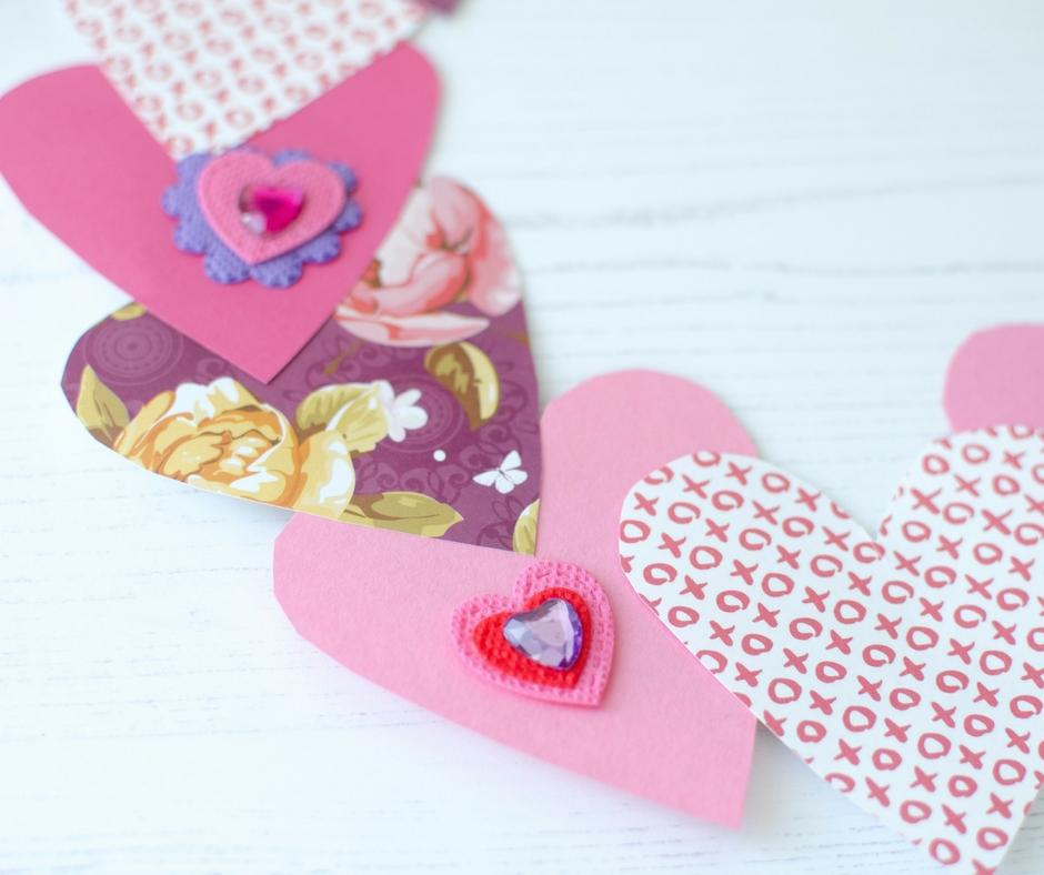 valentines day wreath craft paper hearts stickers