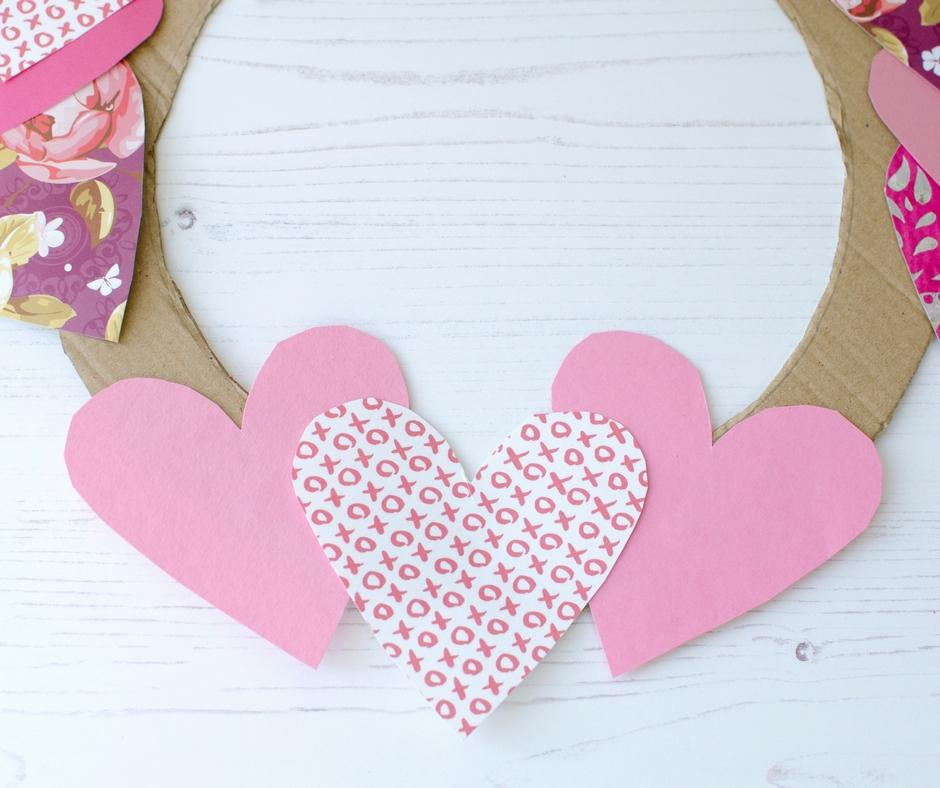 valentines day wreath craft paper hearts