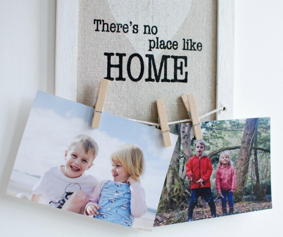 Fun ways to display your photos at home in the hallway