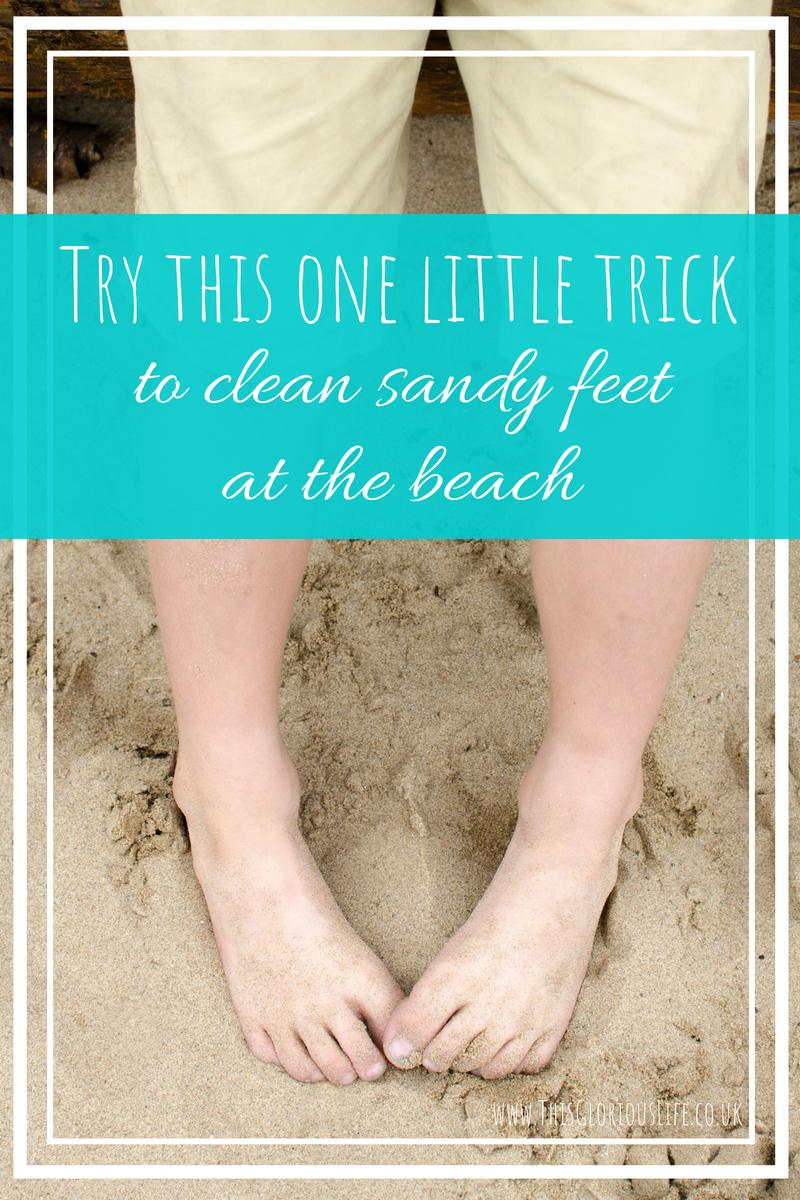 Try this one little trick to clean sandy feet at the beach
