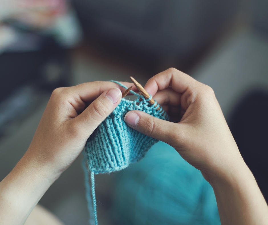 Learn to knit between Christmas and New Year