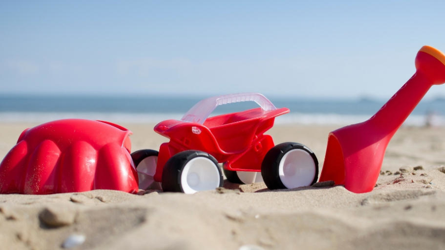 Fun at the beach with Hape toys