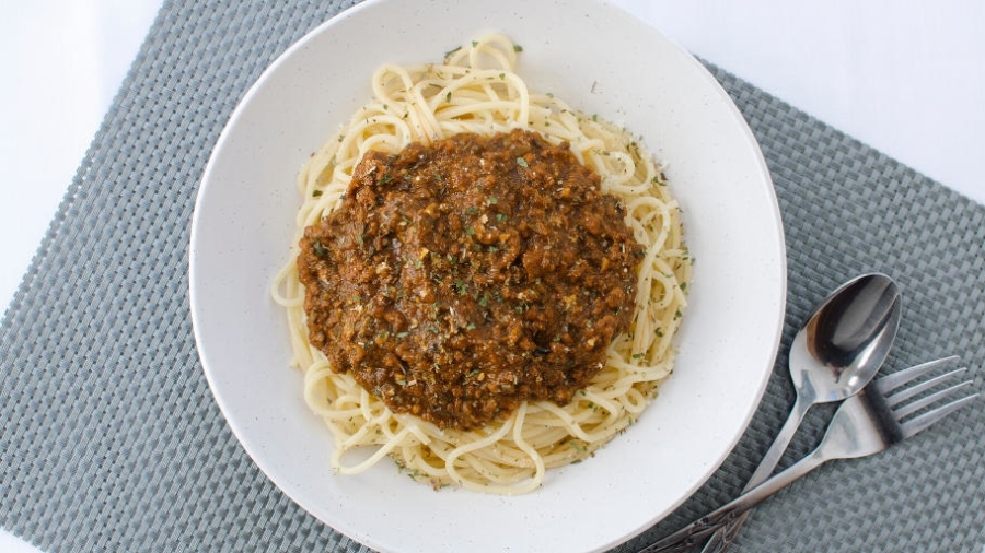 Pork bolognese with spaghetti